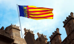 bandera-valencia-parte-superior-lonja-seda-valencia_1398-4485